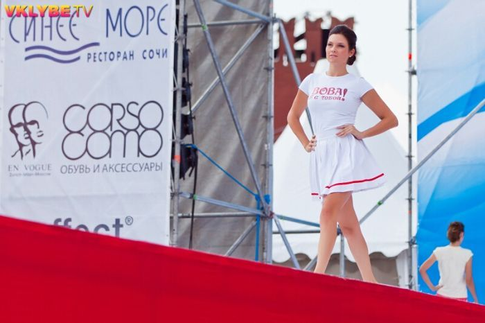 Fashion-show «RADIO 'TV'» на Васильевском спуске (58 фото)