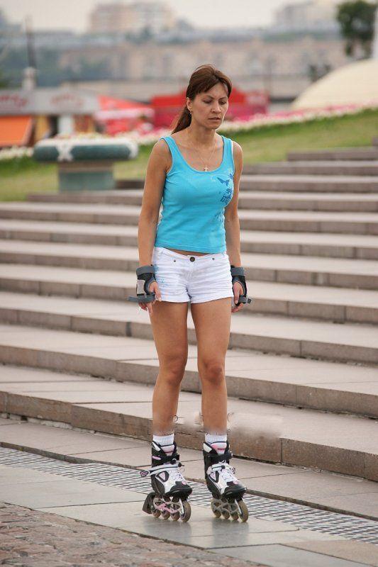 Ноги девушек на роликах фото 250-988