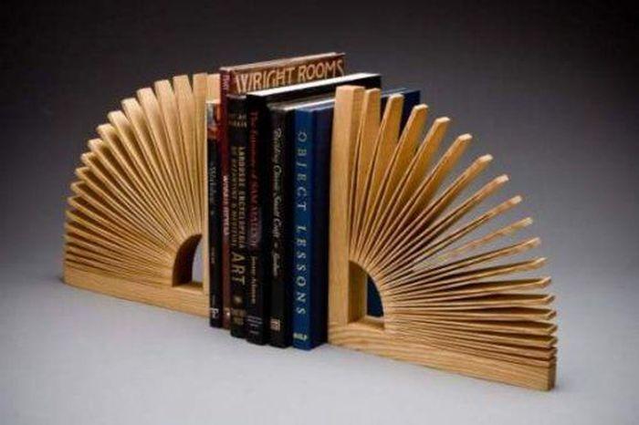 Креативные подставки для книг (20 Фото)