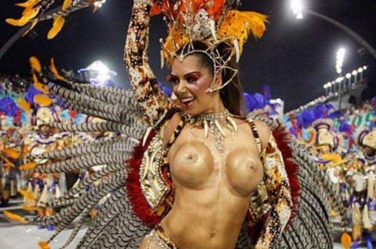 karnaval-foto-samie-golie-devushek
