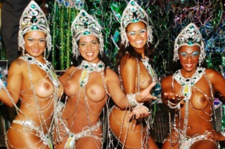 Сиськи карнавал рио