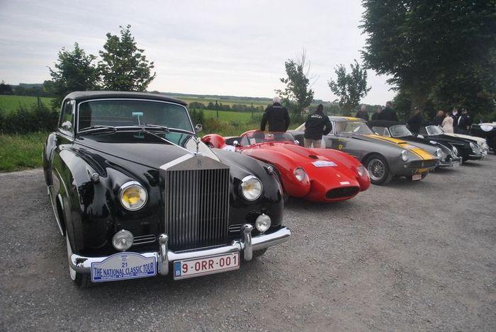Пробег ретро-автомобилей в Бельгии (30 фото)
