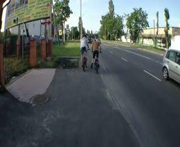 Велосипедистам на дороге не место!