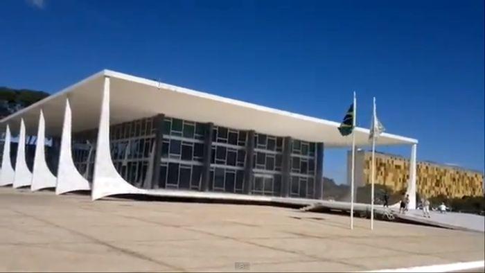 Полет над Верховным судом Бразилии (видео)