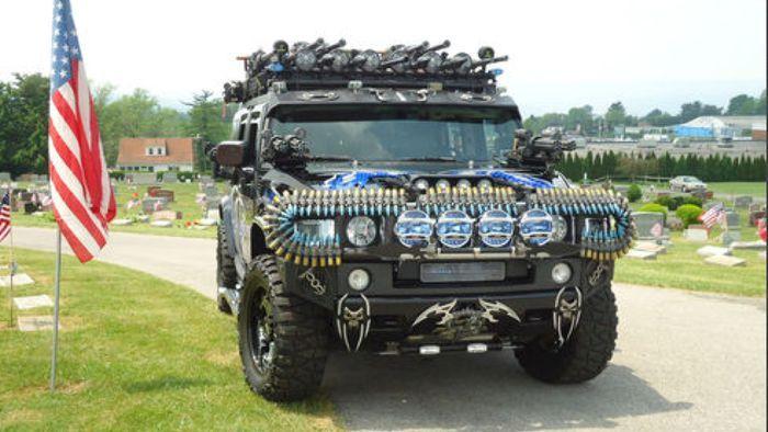 Вооруженный до зубов Hammer продают за 55000$ (10 фото)