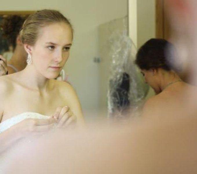 Как блондинка синхронизирует зрение (4 фото)
