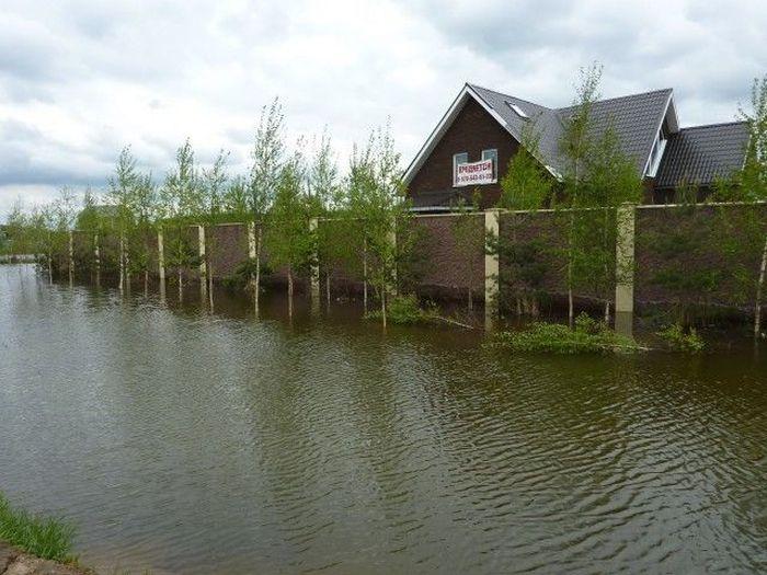 Домик на берегу озера (3 фото)