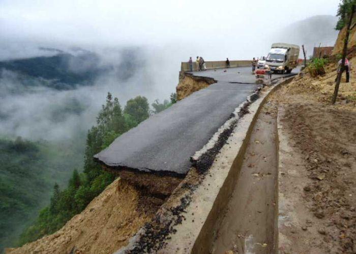 Новая дорога - сделано в Китае (8 фото)