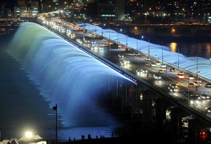 Необыкновенный фонтан в Южной Корее (9 фото)