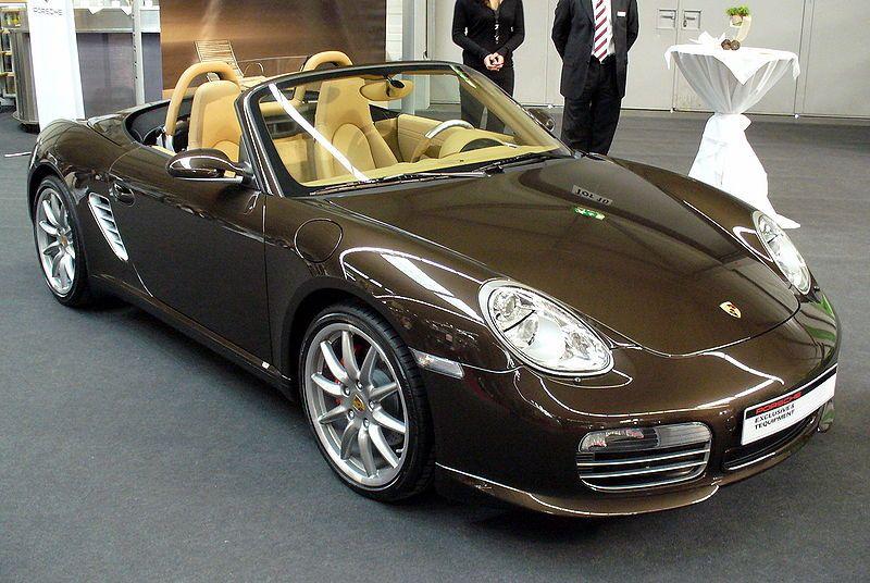 коричневая машина