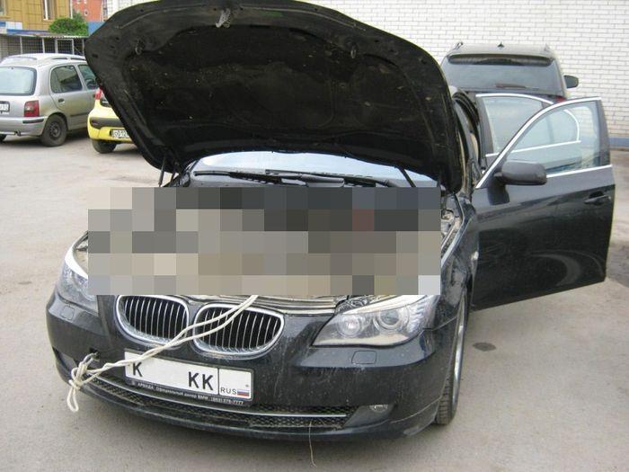 BMW 5 серии в кузове E60 после наводнения в Крымске (3 фото)