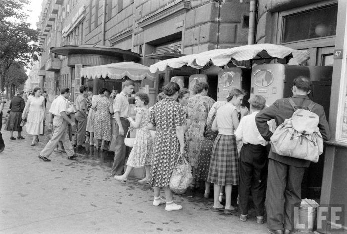 Магазины и витрины 60-х - 70-х годов (55 фото)