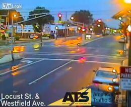 Жуткая авария на перекрестке