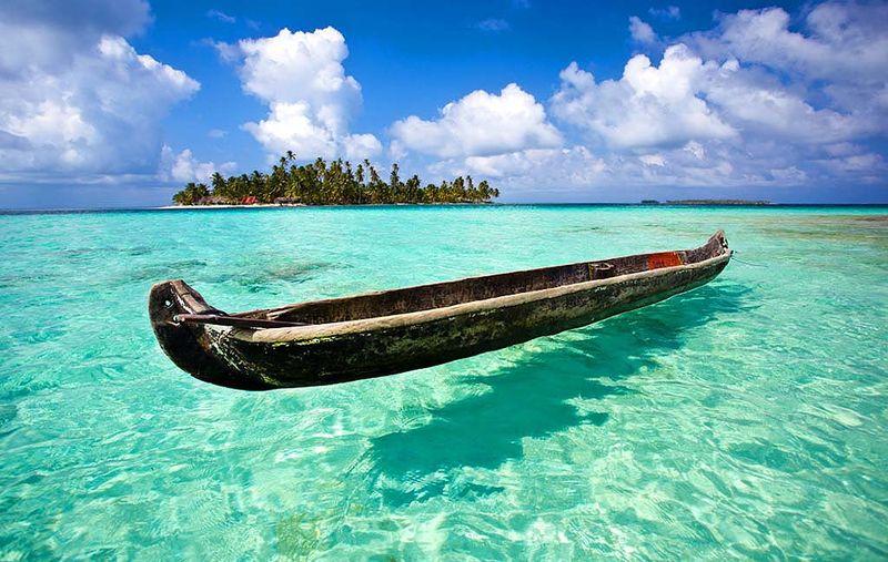 хотелось найти фото лодок на прозрачной воде будете