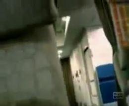 Две стюардессы в одной кабинке