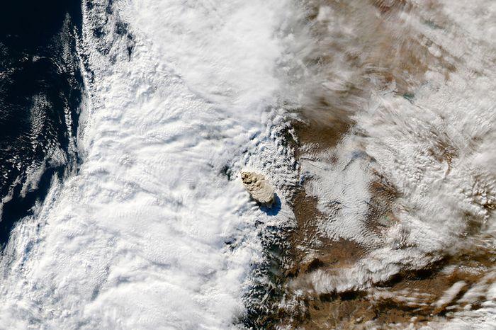 Извержение вулкана Пуйеуэ (20 фото)