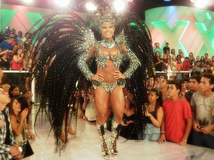 Сексуальная танцовщица Грациана Барбоза (37 фото + 1 видео)