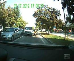 Драка девушки - байкера с водителем маршрутки