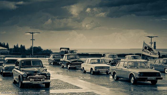 Ретрорепортаж о выставке ретроавтомобилей в Ульяновске (73 фото)