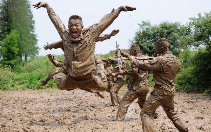 Как тренируется китайский спецназ (16 фото)