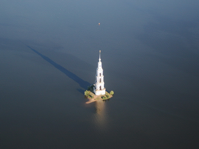 Затопленная колокольня (10 фото + 1 видео + 1 mp3)