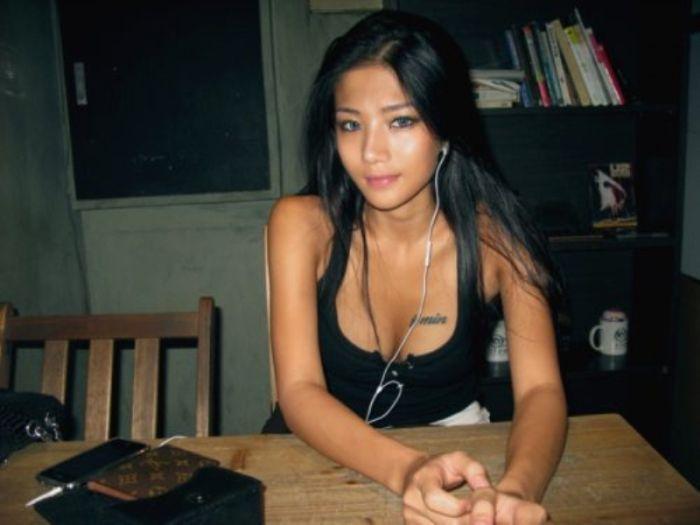 сидят ждут азиатки домашнее русские груди богини струя