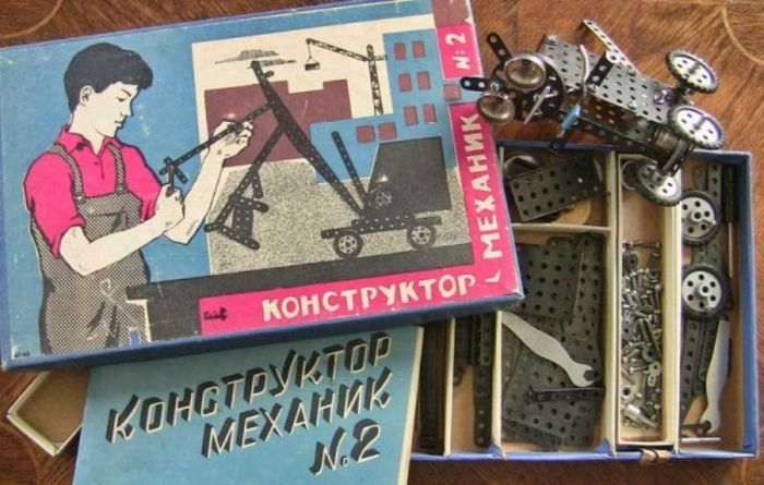 Настольные игры и конструкторы времен СССР (20 фото)