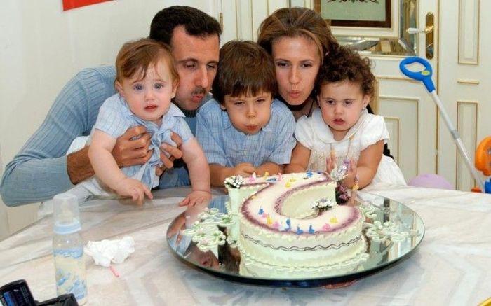 Президент Сирии с семьей (16 фото)