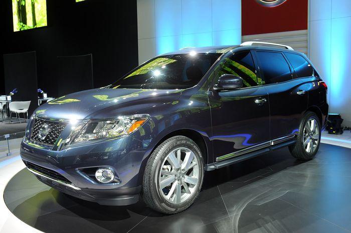 Компания Nissan показала новый Pathfinder (21 фото)