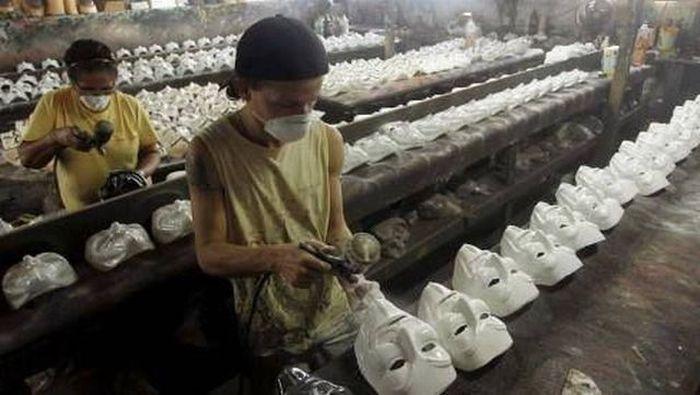 Свежий фотоприкол завод, маски, производство