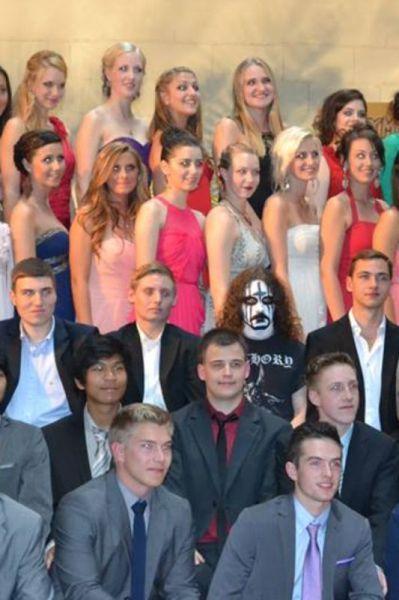 Фотоприкол выпускной, костюм, макияж, фото