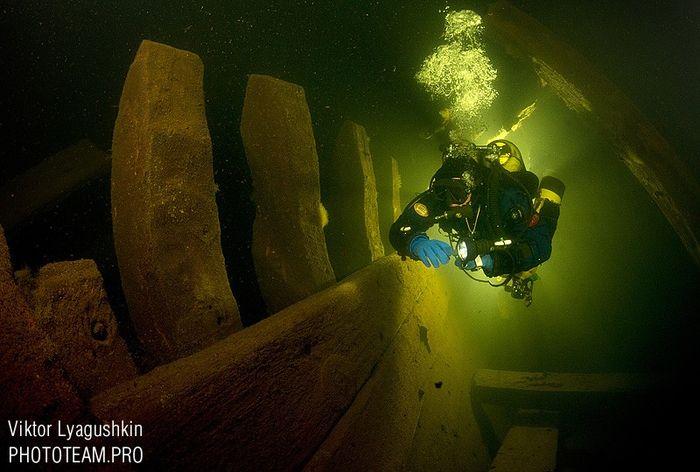 водолазы, археолог, под водой, балтика