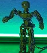 Два мини гуманоида от Nuzoo Robotics