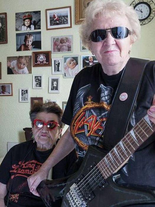Фотоприкол дня гитара, крутые, метал, старушки