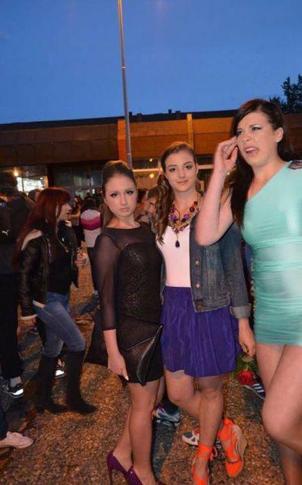 Улетное фото выражение лица, девушки, платье