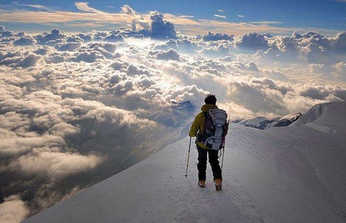 Шикарное фото гора, красота природы, на вершине, облака