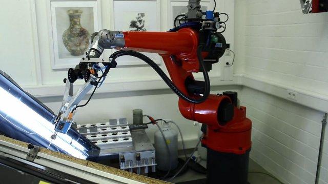 Робот-художник E-David