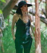 Анджелина Джоли одела открытый топ первый раз после операции на грудь (2 фото)