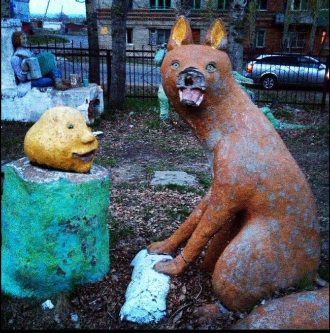 Пугающая детская площадка (8 фото)