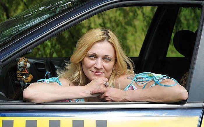 авто, такси, таксист, женщина таксист