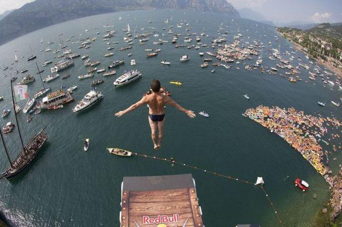Фотоприкол онлайн бесплатно бухта, гавань, прыжок, яхты