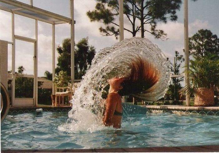 Прикол картинка бассейн, брызги, волосы, девушка