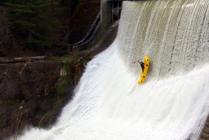 Улетное фото байдарка, водопад, рафт, скала