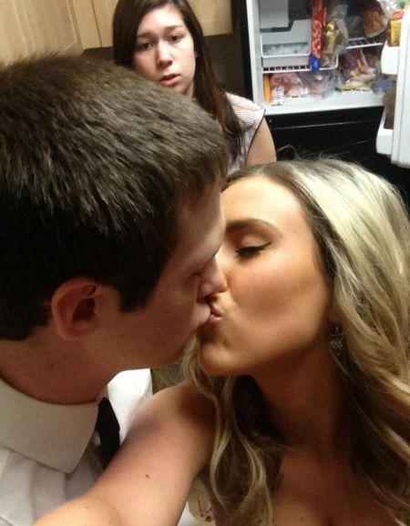 Фото девушка, задний план, поцелуй