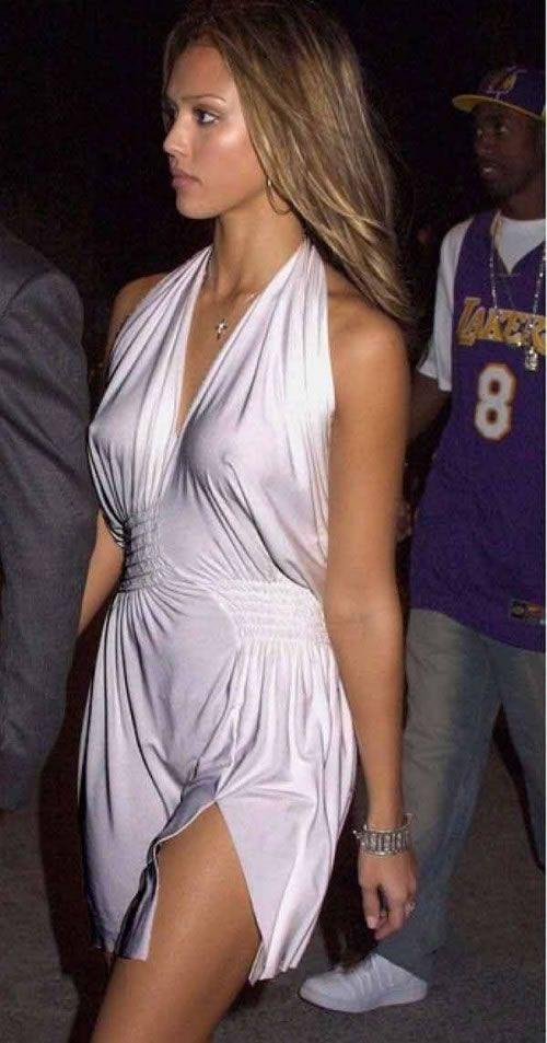 Фотоальбом грудь, знаменитость, наряд, платье