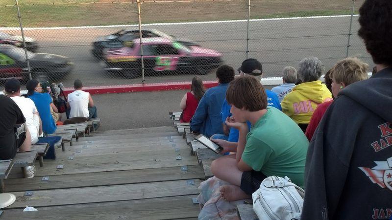 Фото онлайн гонки, наскар, прикол, скучает