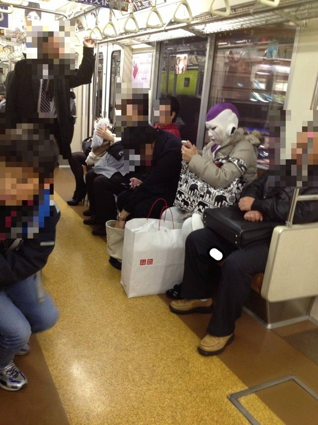 Фото костюм, метро, общественный транспо