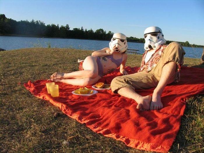 Молодожены в костюме Звездных Войн (10 фото)