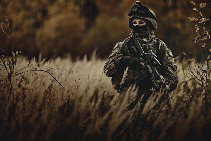 Фотография глаза, девушка, оружие, солдат