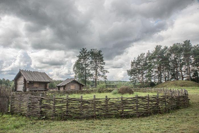 предки, деревня